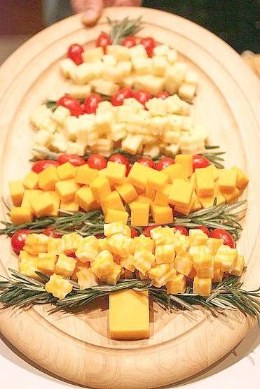 cheese-platter-christmas-tree