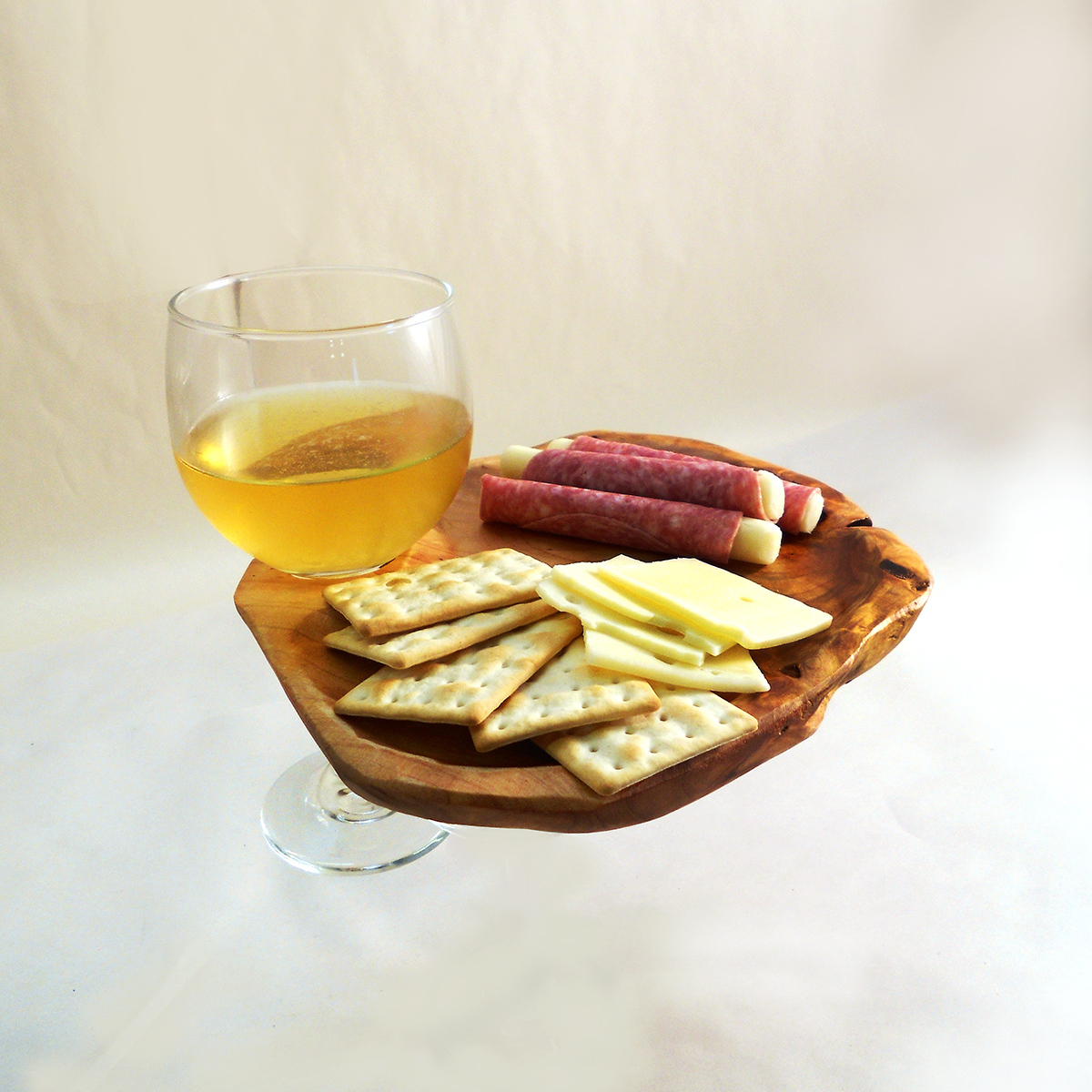2130_appetizer_plate_with_glass_med
